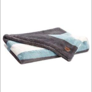 UGG Grey White and Blue Polar Throw Blanket